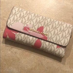 MK bifold wallet